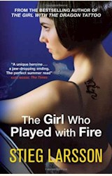 Papel THE GIRL WHO PLAYED WITH FIRE