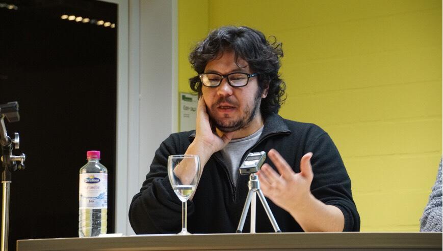 """Luis Chaves: """"Hay algo secretamente heroico en insistir con la poesía"""""""
